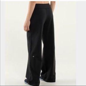 Lululemon Wide Leg ribbed Waist Pants